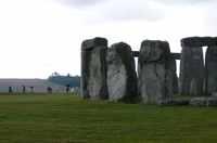 tiny-alian-face-stonehenge (12K)